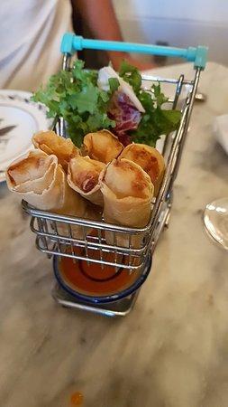 Poppy's: Spring rolls