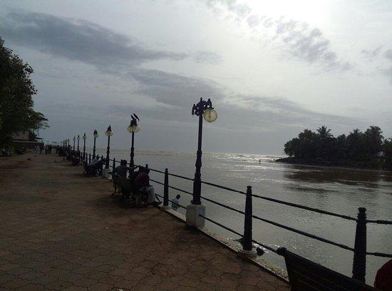 Mahe, Indien: IMG_20180731_164859_large.jpg