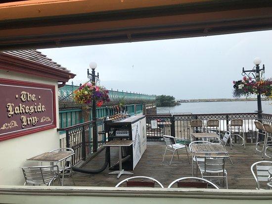 The Lakeside Inn: Outside seating area