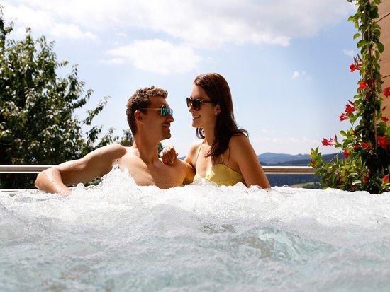 Lalling, Jerman: Privat-Außen-Whirlpool einzeln Buchbar im Hotel in Bayern