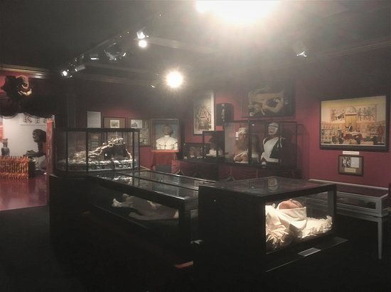 Muenchner Stadtmuseum /Munich Municipal Museum: Room with some very strange exhibits