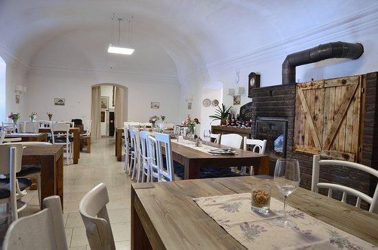 Zirc, Венгрия: Az étterem belülről