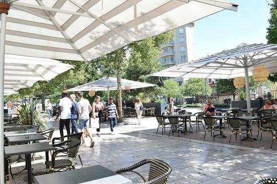 La Terrasse Du Café Bancel Picture Of Cafe Bancel Valence