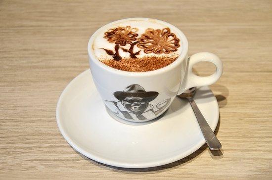 Lucaffe: Italian Cappuccino
