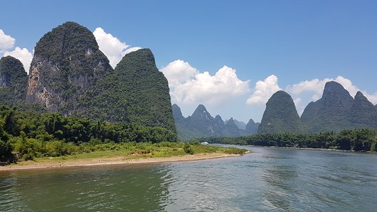 Li River Cruise to Yangshuo Full-Day Private Tour from Guilin: Vistas desde el crucero por el río Li