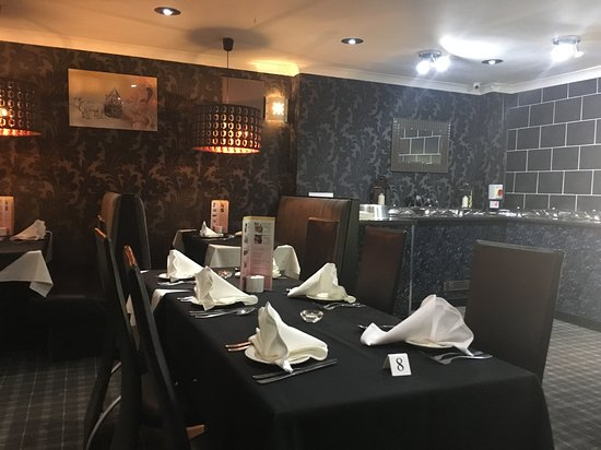 Kilbirnie, UK: Anayas since this restaurant opened it has always had proper good quality table linens and napki