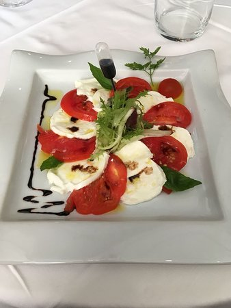 Arpajon, France: Tomate coeur de boeuf-mozarella