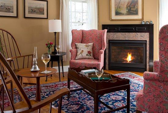Cozy sitting room at Newcastle Inn