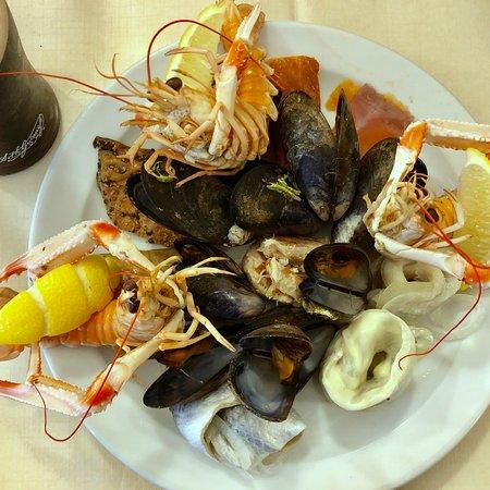 The Morefield and Mariners Restaurant: photo0.jpg