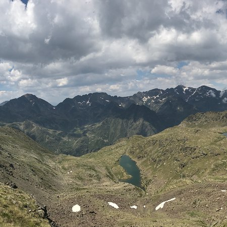 Telesilla de Creussans en Arcalis Vallnord: Views into France from the top of the lift in late July 2018