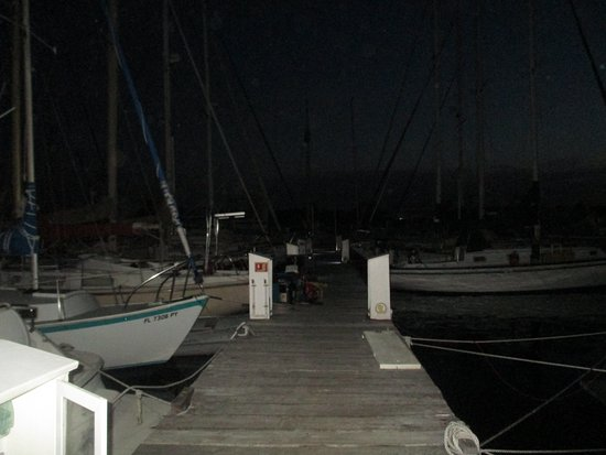 Oscar's Grill: The Docks at Oscar's