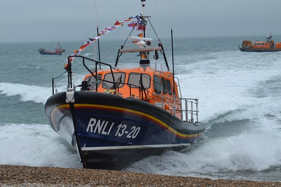The New Shannon Lifeboat arriving at Selsey 24-6-2017