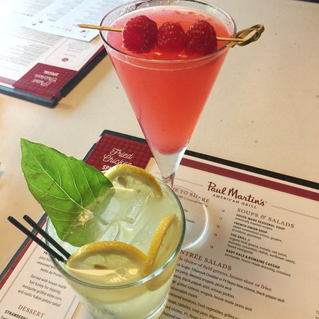 Paul Martin's American Grill: Raspberry Martini, Champagne Lemonade