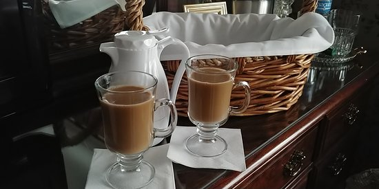 Eaton Rapids, MI: Coffee Service Delivered in a pretty basket at our Door