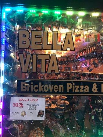 Bella Vita Pizzeria & Trattoria Picture