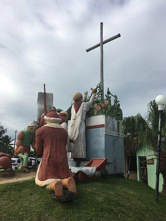 Santa Cruz Cabralia, BA: Monument commémoratif de la première messe célébrée sur le continent américain le 26 Avril 1500