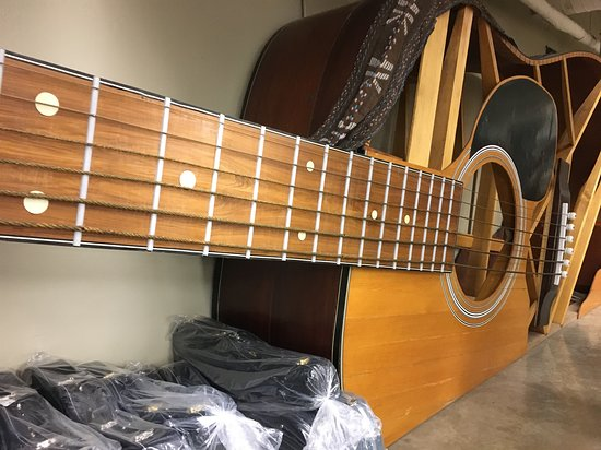Nazareth, PA: Giant guitar monument (normal-sized cases at lower left)