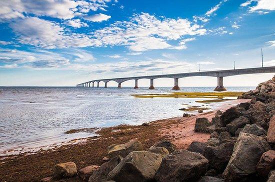 Penhascos de Areia Vermelha e a Ponte...