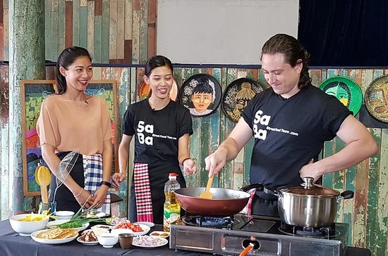 Traditional Myanmar cooking class with market tour
