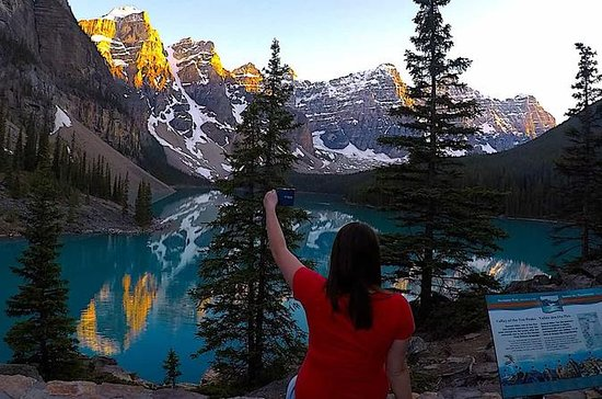 Deluxe Evening Tour to Lake Louise...