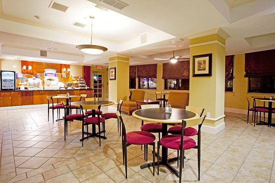 Holiday Inn Express Hotel & Suites Quincy I-10: Restaurant