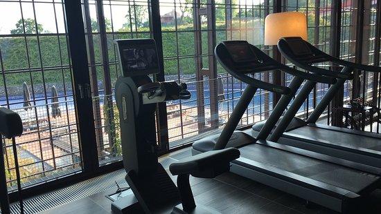 Villaverde Hotel & Resort - Wellness SPA & Golf: Palestra con vista piscina