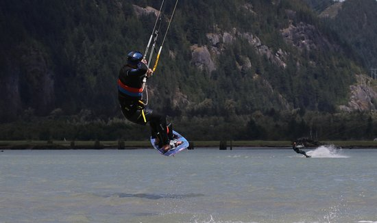 Sea To Sky Kiteboarding: Jay was on his boat and as an added benefit, snapped a few shots of me Kiteboarding