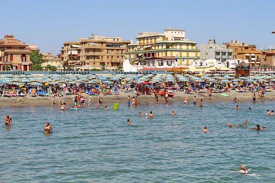 Пляжи Лидо ди Остия - Foto di Santa Maria Regina Pacis, Lido di Ostia -  Tripadvisor