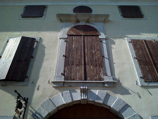 Palazzo Tacco, De Blunfeld, Visca, Aita
