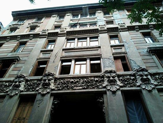 Casa dei Mascheroni