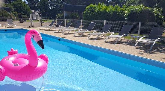 Le Tour-du-Parc, Γαλλία: Détendez-vous de mai à septembre dans la piscine extérieure chauffée