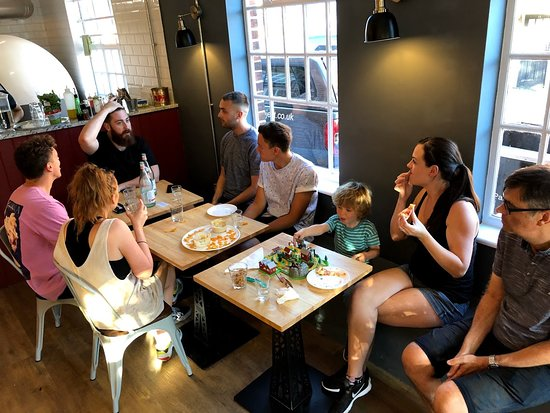 Merstham, UK: The Pizza Project Cafe