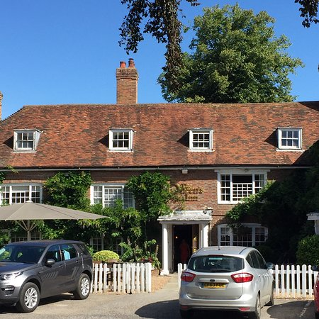 Hawkhurst, UK: The Queen's Inn Bar