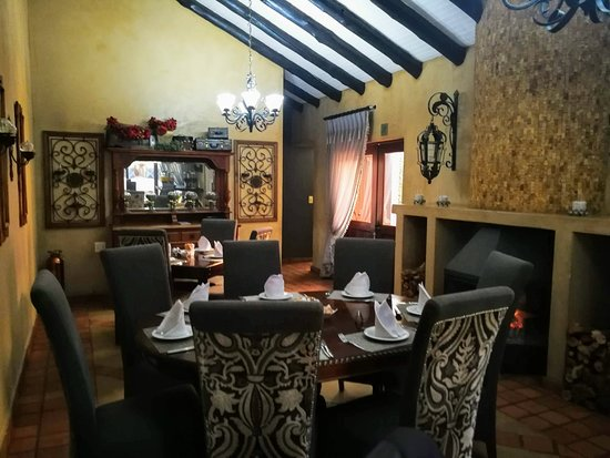 Opikopi Guest House: Dining Area