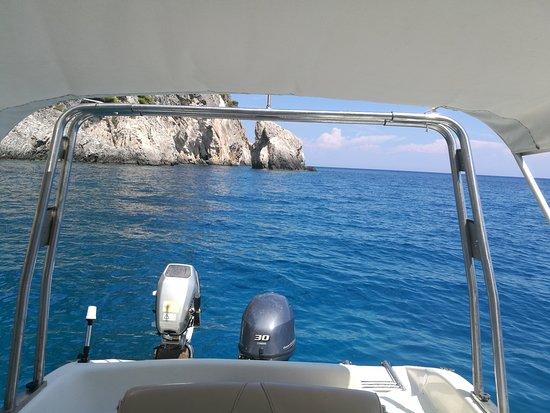 Снимок Captain's Motorboat Rentals