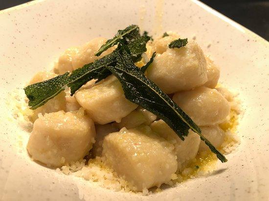 Abbotsford, Australien: Handmade Gnocchi Gorgonzola with Sage