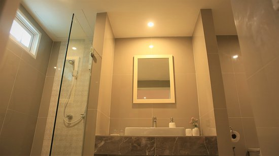 The Lake Udon: Suite Bathroom