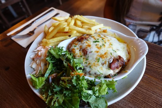 Aston Clinton, UK: Carne con formaggio