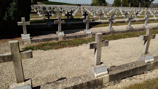 Bligny-sur-Ouche, France : Cimitero militare Italiano di Bligny, Grande Guerra 1914-1918