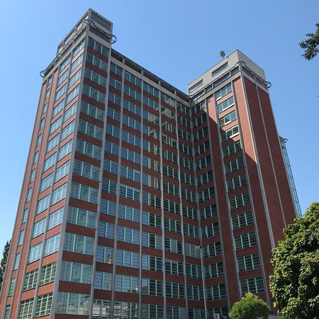 Bata's Skyscraper: photo0.jpg