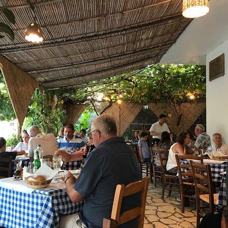 Brouklis Taverna: photo0.jpg