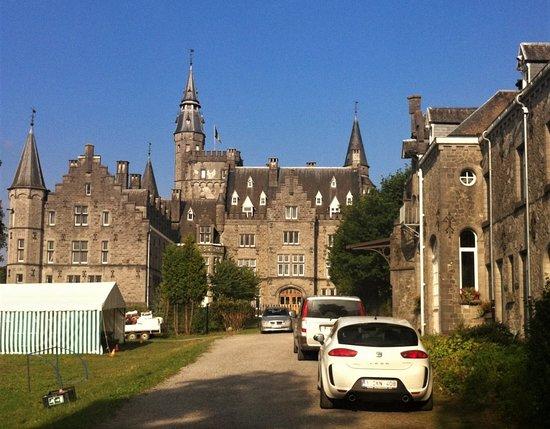 Leignon Castle