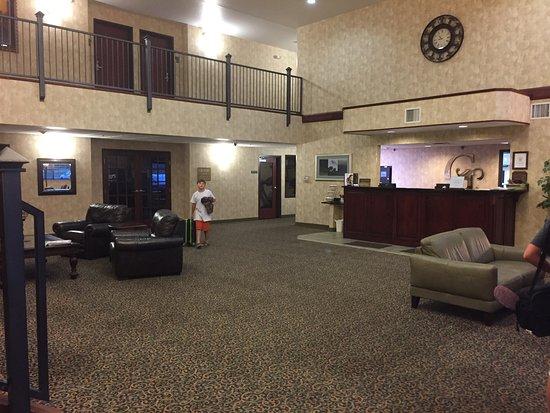 Becker, MN : lobby