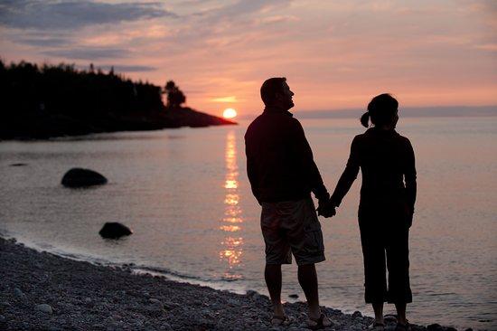 Lutsen Resort on Lake Superior: Couple on the beach