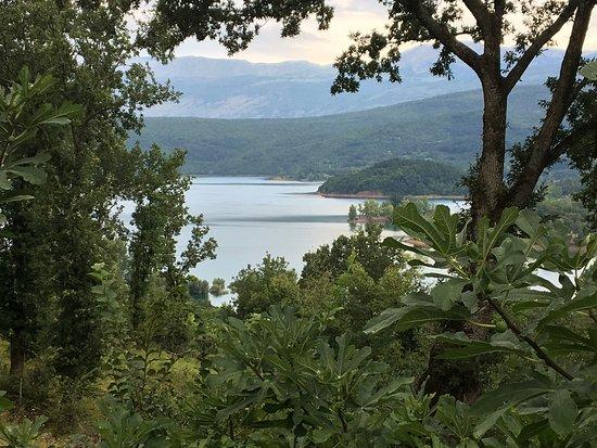 Vrlika, Κροατία: Mooie en rustgevende omgeving