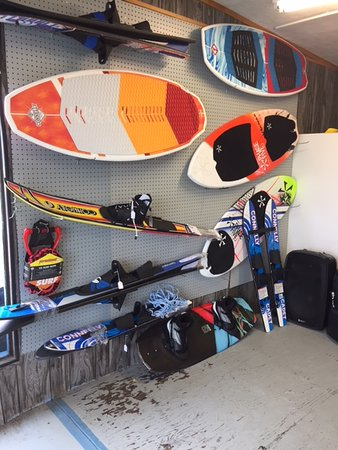 Dwight, Canada: Wakesurf boards, water skis & wake boards for Sale in our Store
