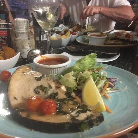 Tas-Serena Cafe & Restaurant: photo0.jpg