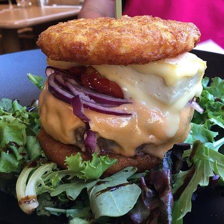Le bacchus: Unique burger