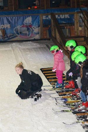 SnowDome: Kinder intro ski lesson