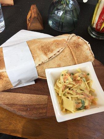 Envy Vegetarian and Vegan Eatery: The falafel pitta